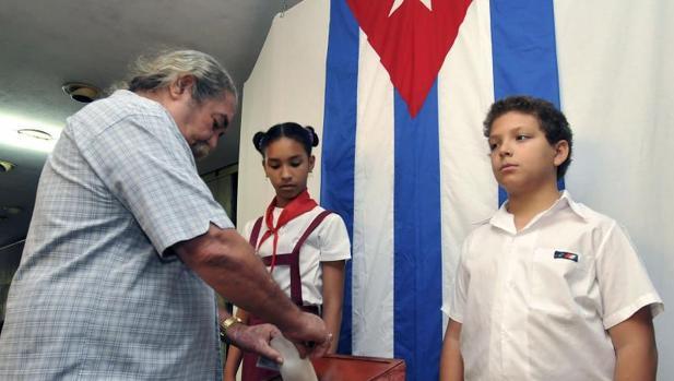 Votación en La Habana en las elecciones de abril de 2010