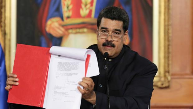 La Eurocámara no reconocerá resultados de la Constituyente «ilegal» de Maduro, según Jáuregui