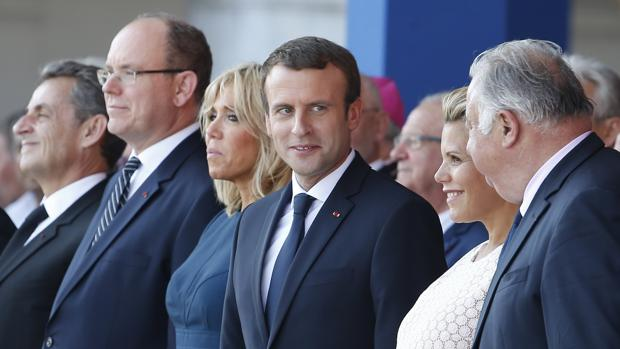 Emmanuel Macron , junto a sus predecesores y el Príncipe Alberto de Mónaco en el aniversario del atentado