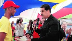 Nicolás Maduro, durante un acto oficial el jueves en el Palacio de Miraflores