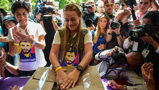 Hemeroteca: La participación masiva en el plesbicito pone en jaque a Maduro | Autor del artículo: Finanzas.com