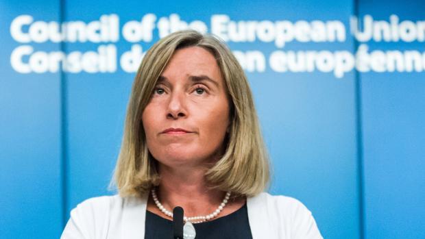 Federica Mogherini ha advertido a Maduro que la UE aplicará sanciones en caso de que siga adelante con su agenda política