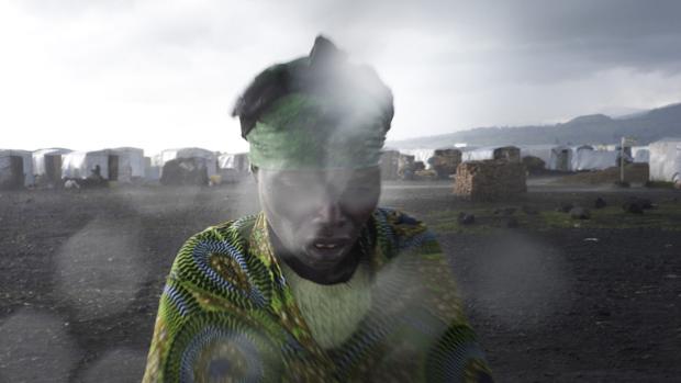 Una mujer en un campo de desplazados de Kibati, en la RDC