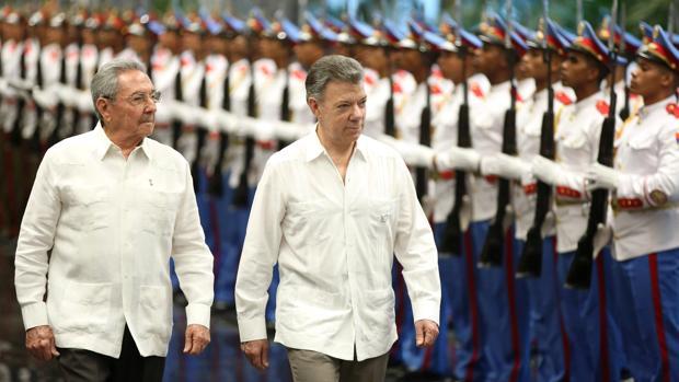 Raúl Castro se reúne con Santos para tratar las relaciones bilaterales y el acuerdo de paz con las FARC
