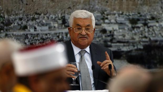 El presidente palestino ordena suspender todos los contactos con Israel