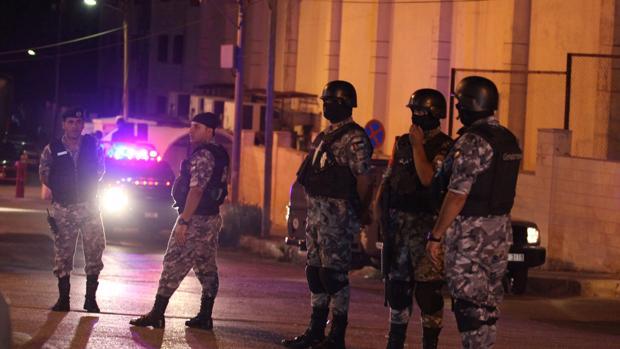 Dos muertos en un tiroteo en el interior de la Embajada israelí en Amán