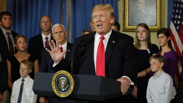 Trump cree que el futuro tratado de libre comercio con Reino Unido será «muy grande y fascinante»