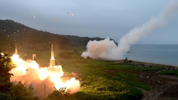 Lanzamiento de un misil desde la costa este de Corea del Sur