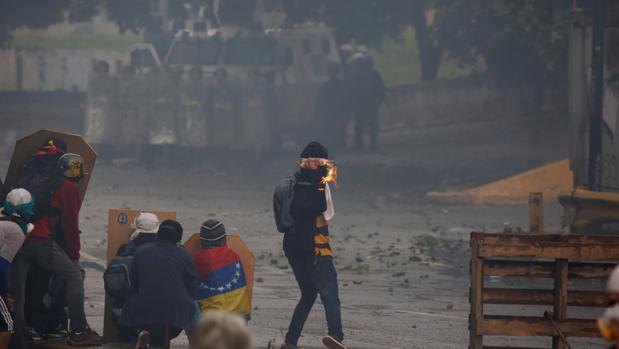 Venezuela sufrirá una escalada de violencia si Maduro impone la Constituyente
