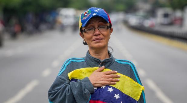 Solo ocho millones de venezolanos eligen la Asamblea Constituyente en medio de la violencia