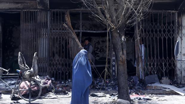 Al menos 29 muertos y 63 heridos en un ataque contra una mezquita chií en Afganistán