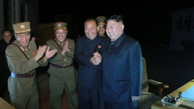 Kim Jong Un celebra la prueba de su segundo misil intercontinental