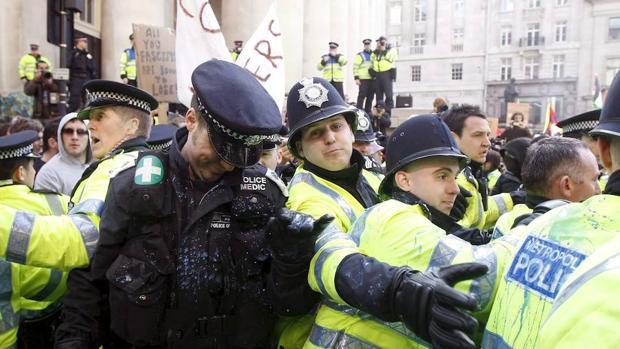 Londres se prepara para lidiar con los ataques con ácido
