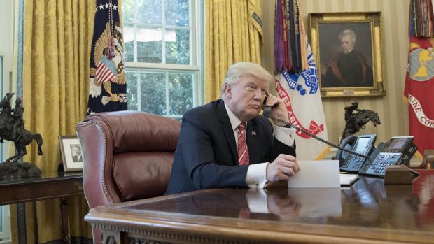 La popularidad del presidente Trump se desploma hasta el 33 por ciento