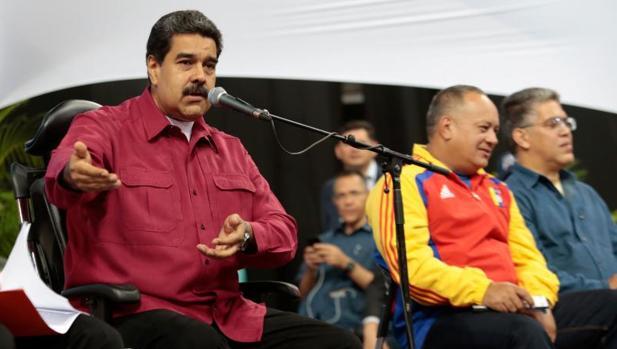 Maduro acusa de preparar un ataque «económico, político y militar» a EE.UU.