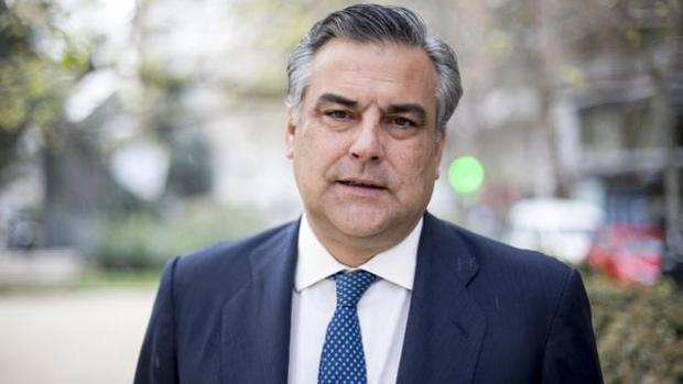 La casa del embajador español albergó reuniones entre Gobierno y oposición, según la prensa local