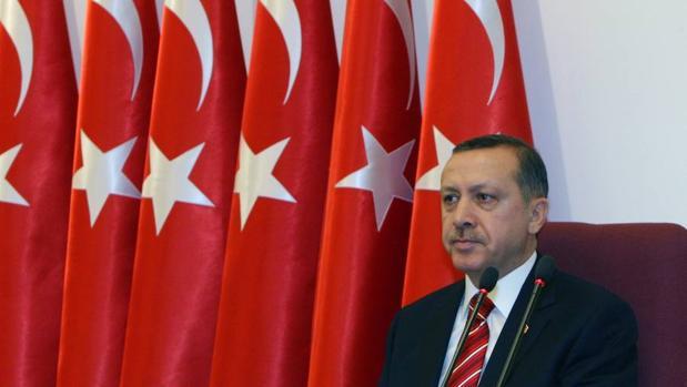 Erdogan acusa a Alemania de apoyar a terroristas