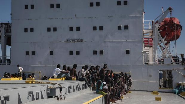 Torturas, violaciones y extorsión, la realidad de los campos de detención de migrantes en Libia