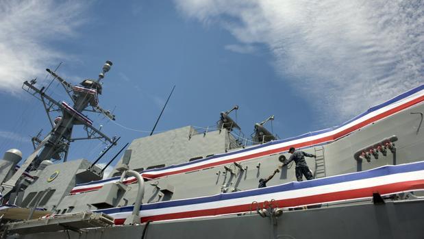China denuncia que un destructor de EE.UU. viola su seguridad en el mar de China Meridional
