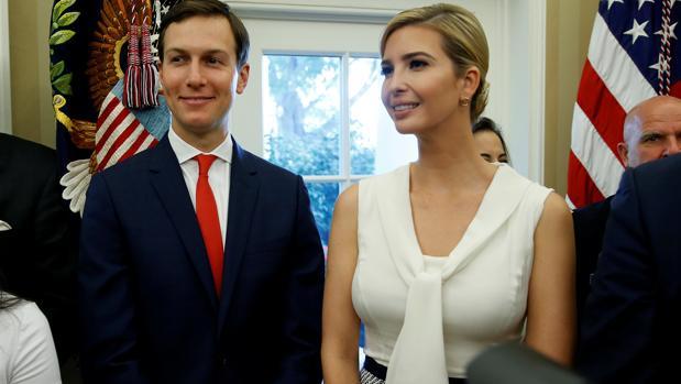 Jared Kushner, yerno de Trump, junto a su esposa Ivanka Trump