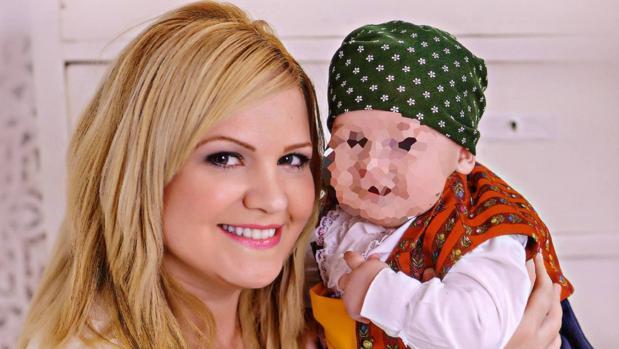 Pilar Garrido y su hijo