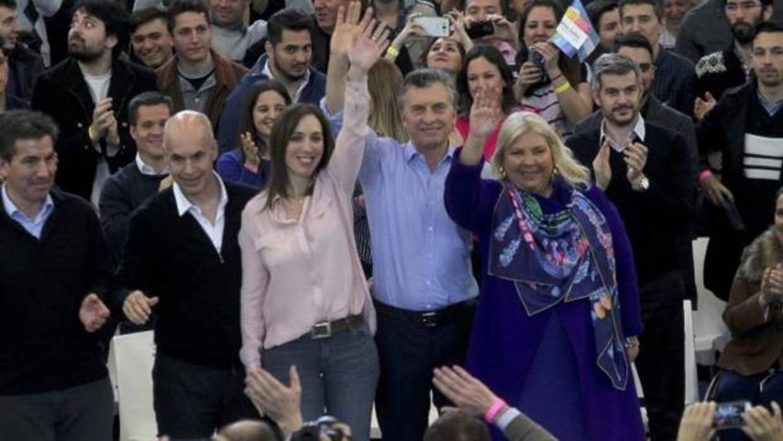 Dos mujeres, principales bazas de Macri para salir airoso de las primarias