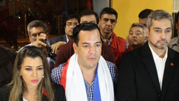 Hemeroteca: Grupos de manifestantes restituyen a la fuerza al gobernador en Guairá   Autor del artículo: Finanzas.com