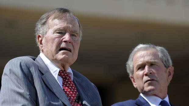 Los expresidentes Bush llaman a rechazar el «antisemitismo y el odio» en EE.UU.