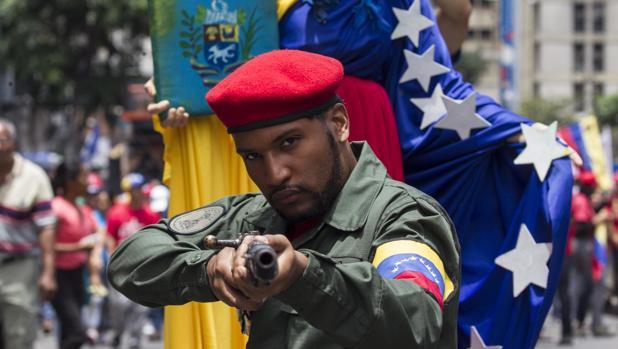 Lluvia de críticas al PSOE por su visión sobre Venezuela con el hashtag #VenezuelaNoExagera