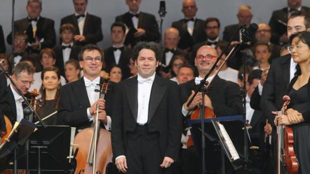 Maduro dice que el músico Gustavo Dudamel no comprende a su Gobierno