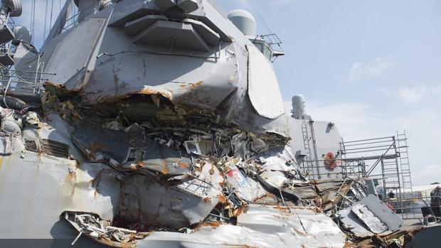 La Armada de EEUU relevará al comandante de flota del buque que chocó en Asia