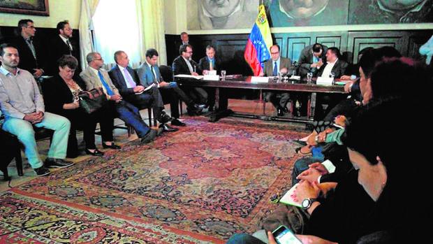 La oposición denuncia un desfalco de 22.000 millones del chavismo