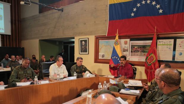 EE.UU. actúa contra los bonos de Venezuela para ahogar al régimen de Maduro