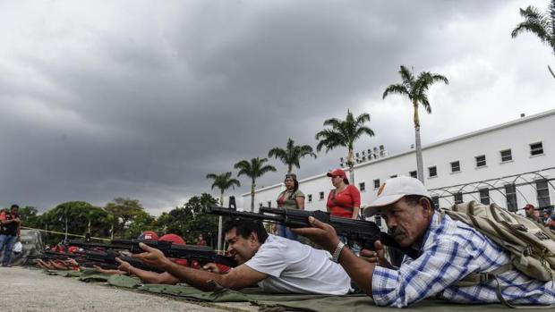 El chavismo amenaza a los civiles que no participen en las maniobras