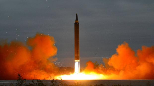 Seúl calcula que el último misil norcoreano podía recorrer hasta 5.000 kilómetros