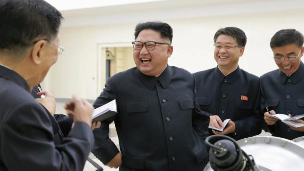 EE.UU. estudia imponer un embargo total a Pyongyang
