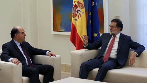España promete más presión de la UE sobre Maduro para forzarle a negociar