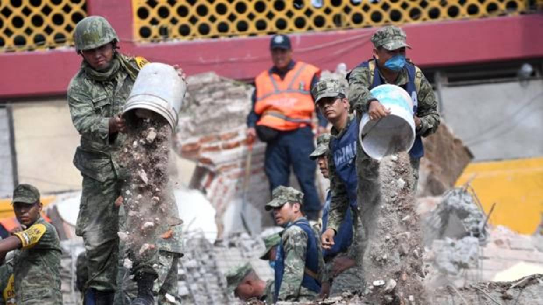 Peña Nieto visita las zonas más afectadas por el terremoto