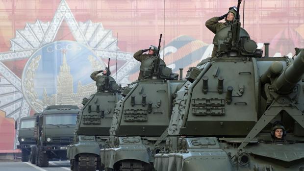 [Imagen: tanques-rusia-kovB--620x349@abc.jpg]