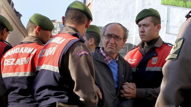 Dogan Akhanli: «Si me retornan a Turquía, será un escándalo político para España y Europa»