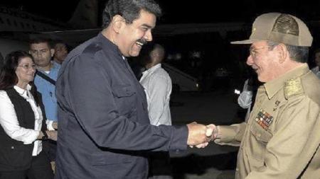 Raúl Castro recibió el jueves en La Habana a Nicolás Maduro, quien viajó a la isla a entregar un donativo para los damnificados por el huracán Irma