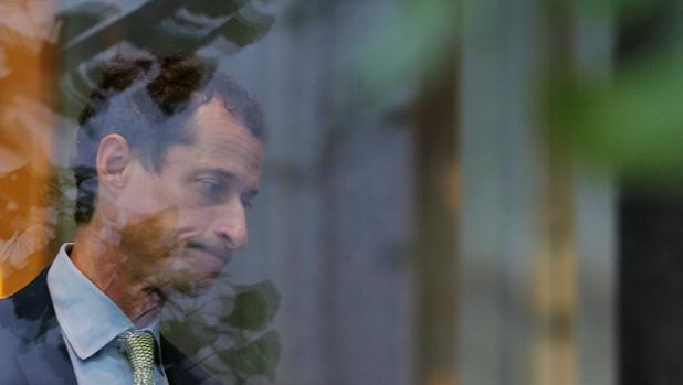 El excongresista Weiner es condenado a 21 meses de prisión por mandar mensajes sexuales a una menor