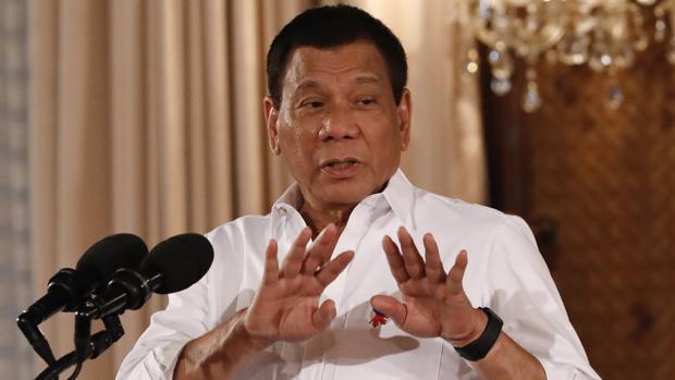 Hallan muerto de un disparo a un guardia de Duterte en el palacio presidencial