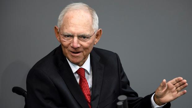 Schäuble abandona el Ministerio de Finanzas para presidir el Parlamento alemán