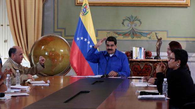 Maduro amenaza con medidas diplomáticas «muy negativas» si Rajoy no rectifica sus críticas