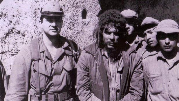 El agente de la CIA que atrapó al Che Guevara: «Fidel Castro lo mandó a la muerte en Bolivia»
