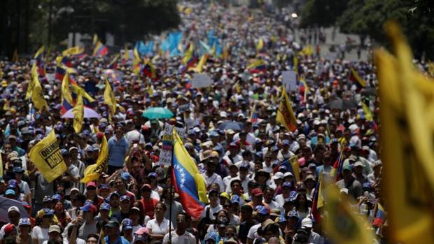 Cataluña y Venezuela: la democracia en jaque