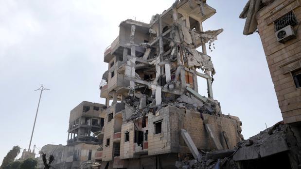 El ejército sirio rodea la ciudad de Al Mayadín, bastión del Daesh
