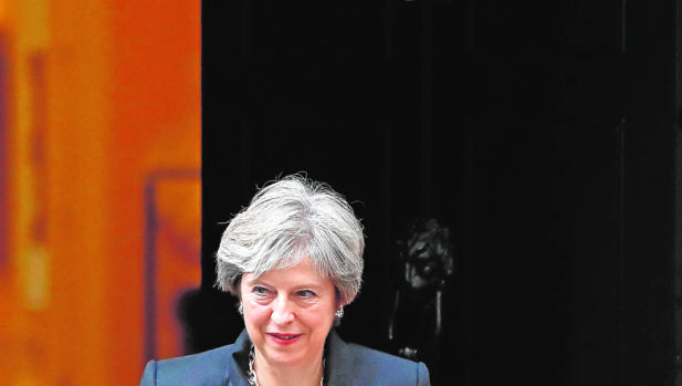 Hemeroteca: Una acorralada Theresa May pide a Bruselas que ceda en el Brexit   Autor del artículo: Finanzas.com