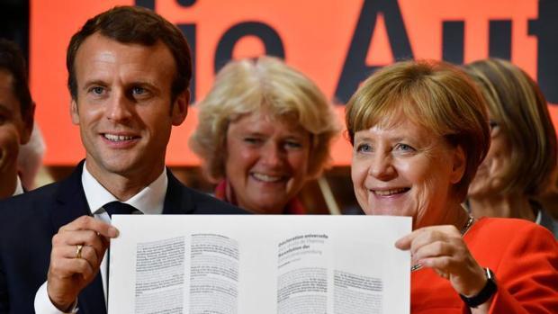 Merkel ve con buenos ojos la creación de un ministerio de Finanzas del euro